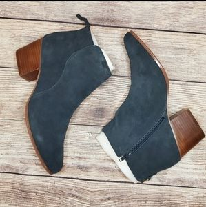Sole Society river ink blue leather ankle booties